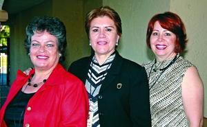 Beatriz Montemayor, Guadalupe de Valdepeñas y Mayela de Sel Río.
