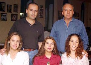 <u><i> 03 de noviembre de 2004</u></i><p>  Raúl Anzures, Milú Anzures, Dolores Rivera , Susana de Pámanes y Felipe Pámanes.