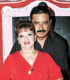 <u><i> 03 de noviembre de 2004</u></i><p>  Casimiro Acevedo y María del Carmen de Acevedo, captados recientemente.
