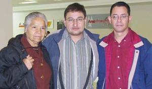Manuel Nava y Julia Hérnanadez viajaron con destino a la Ciudad de México.