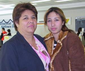 <u><i> 03 de noviembre de 2004</u></i><p>  Trinidad González y Trinidad Ávila viajaron con destino a México.