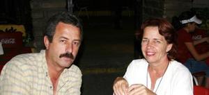 Carlos Garza y Susana Dingler de Garza.