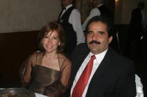 <u><i> 04 de noviembre de 2004</u></i><p>  Gaby y Mauricio del Bosque