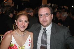 Liliana A. de Cortina y Luis Cortina Sterling.