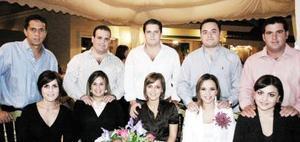 Israel y Mayra de Cayón, Jospe Martín y Selina Pérez, Gabriel Pérez y Rocío Cabranes, Carlos y Ale Mijares y Pepe y Móinika Gómez