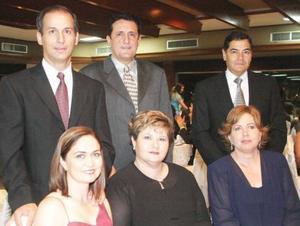 Jaime y Emma Russek; German y Ana Luisa Gonzalez y Jaime y Susana Murra, acompañaron a la pareja Barrios Saade