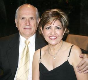 José Cárdenas y Alicia E. de Cárdenas.