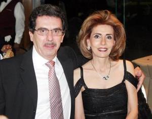 <u><i> 04 de noviembre de 2004</u></i><p>   Michel Zreik y Caty G. de Zereik.