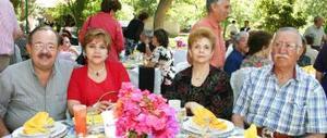 Jorge Rosas, Guadalupe Martínez , María elena de Álvarez y Salvador Álvarez.