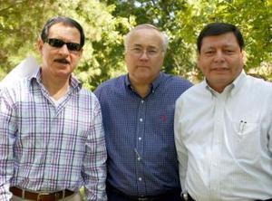 <u><i> 05 de noviembre de 2004</u></i><p>   Ramón García de la Cruz, Jorge Pérez rodríguez y Arturo Rivera.