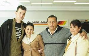 <u><i> 04 de noviembre de 2004</u></i><p>   Paul Heijinann viajó a Holanda, lo despidieron Beatriz Cervantes, Marco Antonio Ríos y Anya Ríos.