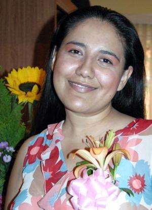 Gladys Ávila Saucedo, captada en su despedida de soltera.