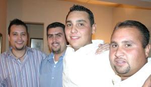 Manuel Chapa Galindo disfrutó de una fiesta de cumpleaños, acompañado por sus hermanos Fernanado, Gerardo y Antonio.