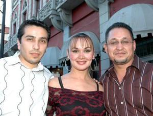 Saúl Samago, Isela de Reyes y Jesús Reyez.