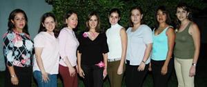 Alma Luján Aguilar junto a sus amigas Consuelo de Lara, Melody de Frias, Briseida de Frias, Cristy de Torres, Liliana de Luja, Helwe de Luján, en las despedida de soltera que le ofrecieron por su proximo enlace
