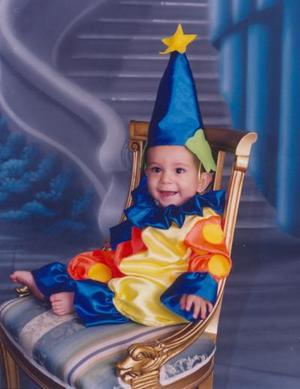 <u><i> 07 de noviembre de 2004</u></i><p> Yahir de Santiago Martínez cumplió un año de vida; es hijito de Lourdes Martínez Rocha, quien le organizó una divertida piñata.