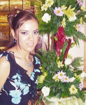 <u><i> 09 de noviembre de 2004</u></i><p> Verónica Flores Zamudio en su primera despedida que le ofrecieron por su próximo matrimonio