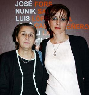 <u><i> 09 de noviembre de 2004</u></i><p> Rosy Gordillo y Margarita Corral