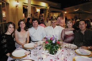 Jaime Amarante. Luz María Bujdud, Poncho Arriaga, Mónica Reynoard y Marcela Cobían, captados en un reciente festejo