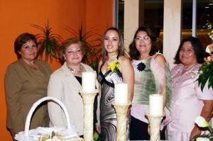 Leticia Ramírez, disfrutó de un festejo pre nupcial que le organizaron su mamá y su futura suegra