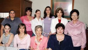 <u><i> 10 de noviembre de 2004</u></i><p>  Mary Cristy de Saldaña, Lorena Dávila de Saldaña, Jessica de Ramírez, Mónica de Villar, Martha Saldaña Castrellón, Lucía Wolff de Faya, Barbie Rodríguez de Batarse, Marilú Portilla, Martha de Saldaña y Mila de Berumen.