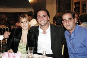 <u><i> 10 de noviembre de 2004</u></i><p> Ernesto Castro, Alfredo Villegas y Mónica Villina.