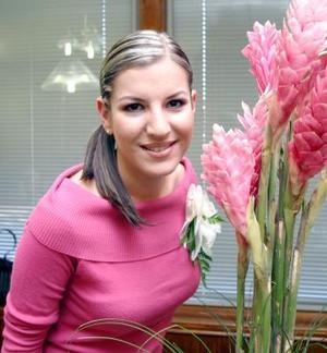 <u><i> 11 de noviembre de 2004</u></i><p>     Vanessa Villarreal Cuéllar contraerá matrimonio con Marcelo Aguirre Carrillo el 26 de noviembre.