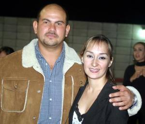 <u><i> 11 de noviembre de 2004</u></i><p>   Tony y Deneb Nohra.