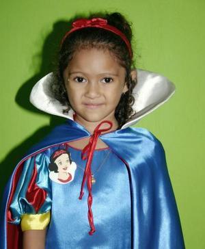 Karla Daniela Ramírez Méndez festejó su cuarto cumpleaños con una merienda que le prepararon sus papás.