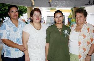 Blanca Esthela Luévanos Rivas disfrutó de un festejp quie le organizaron con motivo de su cumpleaños