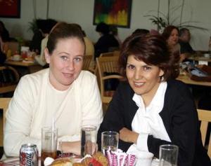 Martha de González y Martha Rentería