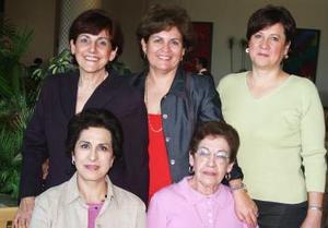 Mary G. de García, María del Carmen Estevanne, Cuquita de Rosales, Amparo de Sotolujpan y Malú de Martínez