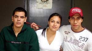 Pepe Blanco, Yoselin Gutiérrez y Alfredo Anaya