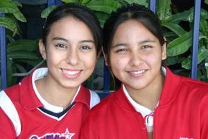 Pamela Orona y Pamela Flores
