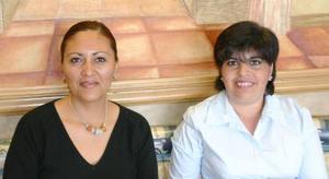 Laura de Martínez y Lilia de Núñez