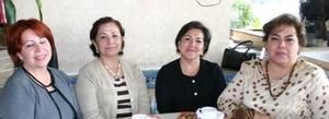 Guadalupe Reyes , María Elena Alfaro de Vázquez y Carolina Vargas