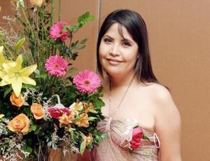 Miriam Gabriela Cepeda Rubio en la fiesta de despedida que le ofrecieron