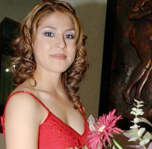 Gloria Cecilia Rueda Puente recibió múltiples felicitaciones en el festejo pre nupcial que le organizaron