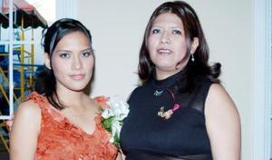 <u><i> 14 de noviembre de 2004</u></i><p>  Anahí Hernández Rodríguez junto a Dalia Hernández de Ramos organizadora de su despedida de soltera que le preparó por su cercano matrimonio con Jairo Soto Rubio