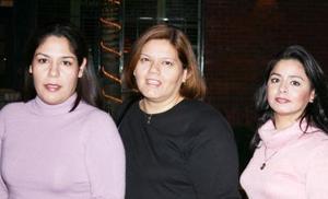 Adriana Reyes, Cristina Limón y Natividad Reyes
