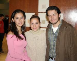 Lorena Marino, Salma Oviedo y Santiago Ayala