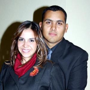 Alma Luján y Gregorio Ruiz disfrutaron de una despedida de solteros