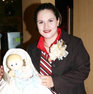 Irma Camacho de Sánchez, captada en la fiesta de canastilla que le organizaron