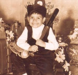 Roberto Luis Negrete Hernández festejó su quinto cumpleaños con una divertida piñata que le organizaron sus papásO