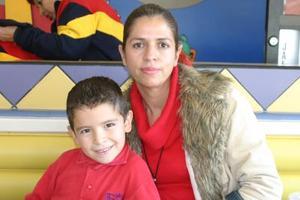 Rubén Michel y su mamá Dora de Michel
