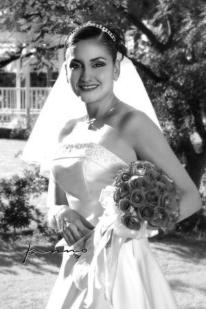 Srita. Estela Meraz Magaña unió su vida en ceremonia religiosa a la del Ing. Daniel Mora Máynez.