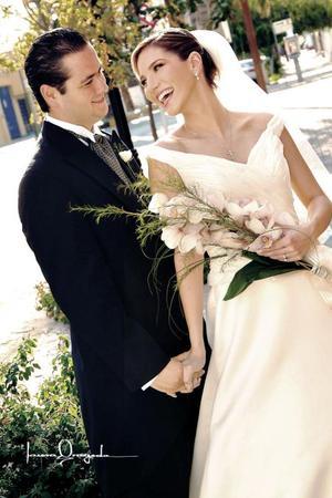 L.C.A Guillermo Alberto Humphrey Tueme y L.C.A Ana Lucía Fernández Lavín contrajeron matrimonio religioso el sábado 18 de septiembre de 2004