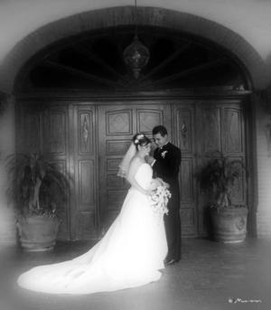 L.I.N. Juan Rubén Salas Tapia y Srita. Gabriela Esther Campero Macías contrajeron matrimonio religioso el sábado cuatro de septiembre de 2004