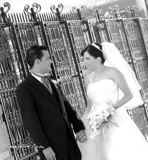 Srita. Paola González Valdés, el día de su enlace nupcial con el Sr. Armando Martínez Alcázar