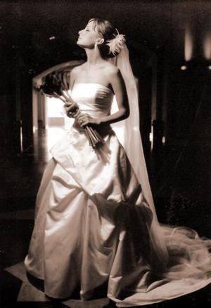 Srita. Alma Cristina Garza Islas el día de su boda con el Sr. José Antonio Fernández Horcasitas.